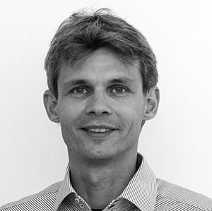 Dr. Marcus Schlueter